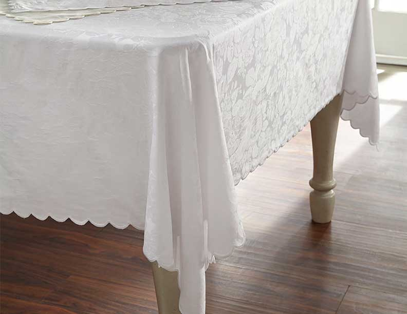 Juliet Tablecloth and Napkins
